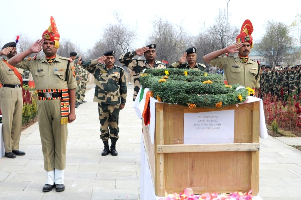 Soldiers pay tribute to martyr Nitin Subhash in Srinagar on Oct 30, 2016.  Subhash was killed in cross border firing in Machil sector of Jammu and Kashmir.