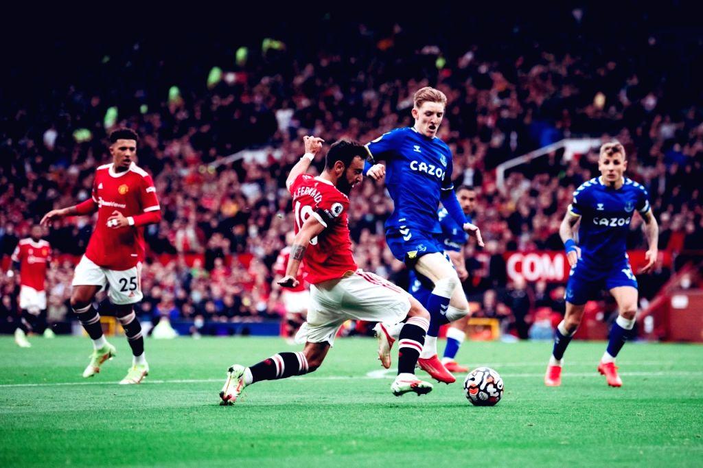 Solskjaer under pressure while Chelsea bounce back in Premier League