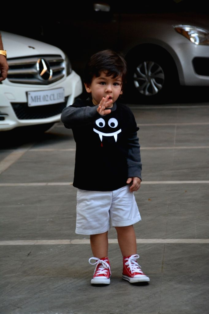 Son of Saif Ali Khan and Kareena Kapoor, Taimur Ali Khan seen Mumbai's Bandra on OCt 31, 2018. - Saif Ali Khan, Kareena Kapoor and Taimur Ali Khan