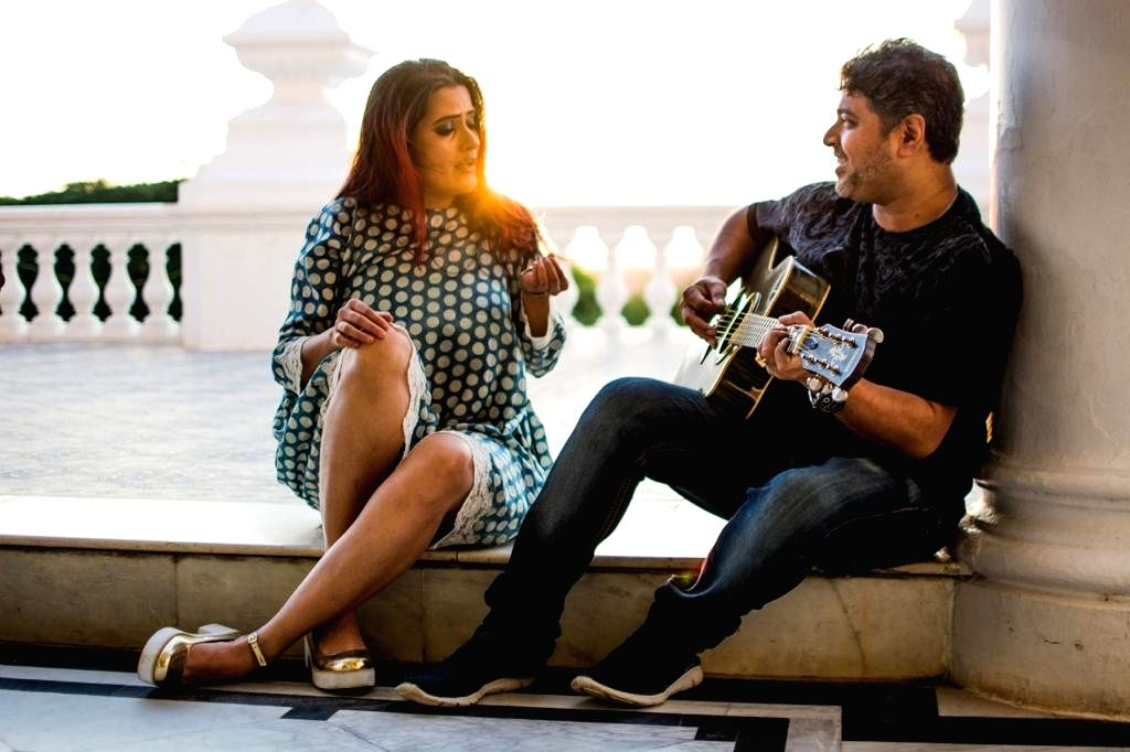 Sona launches a guitar-based virtual music online series.