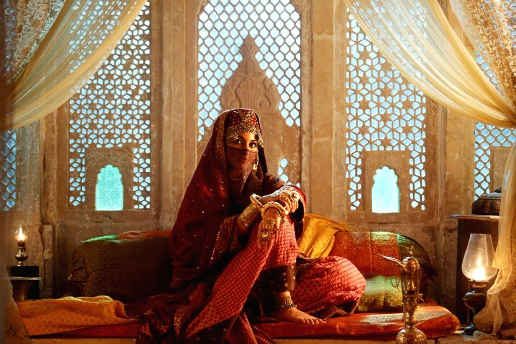 Sonakshi's 'niqab' look from 'Laal Kaptaan' out