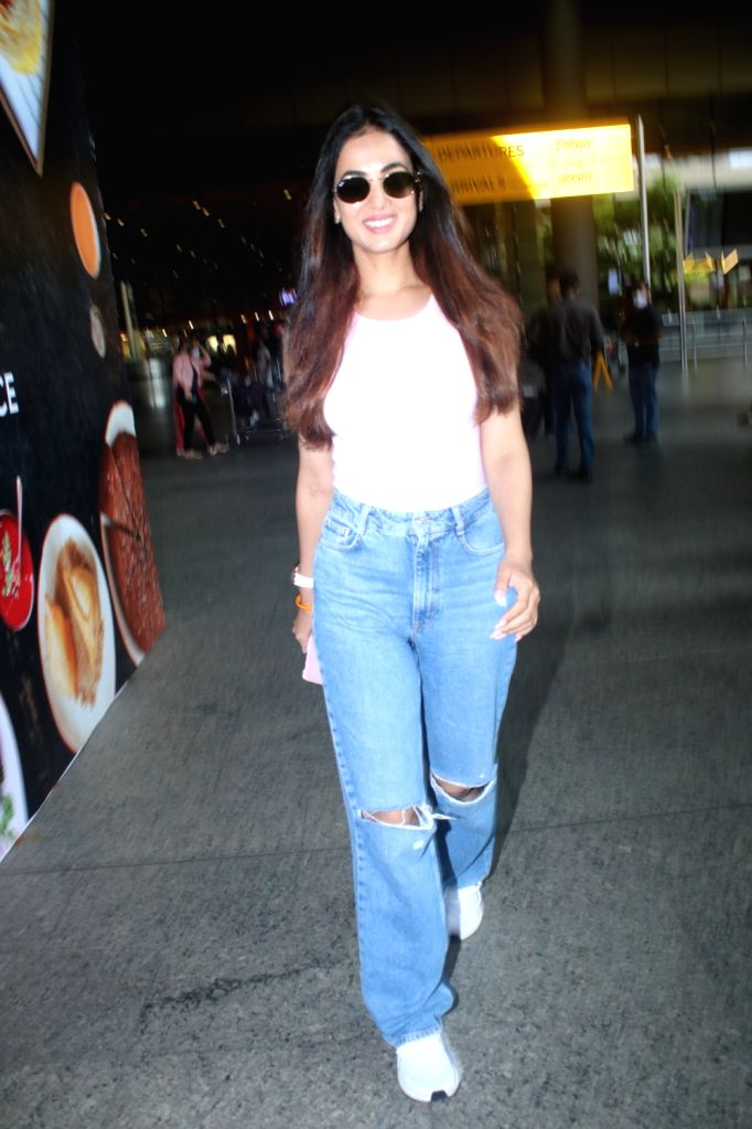 Sonal Chauhan Spotted At Airport Arrival on 14 october,2021.