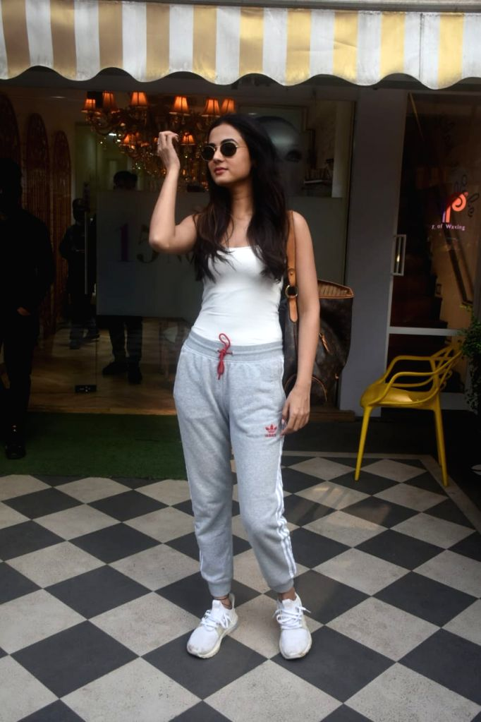 Sonal Chauhan Spotted Saloon in Bandra on Tuesday 23rd February 2021.
