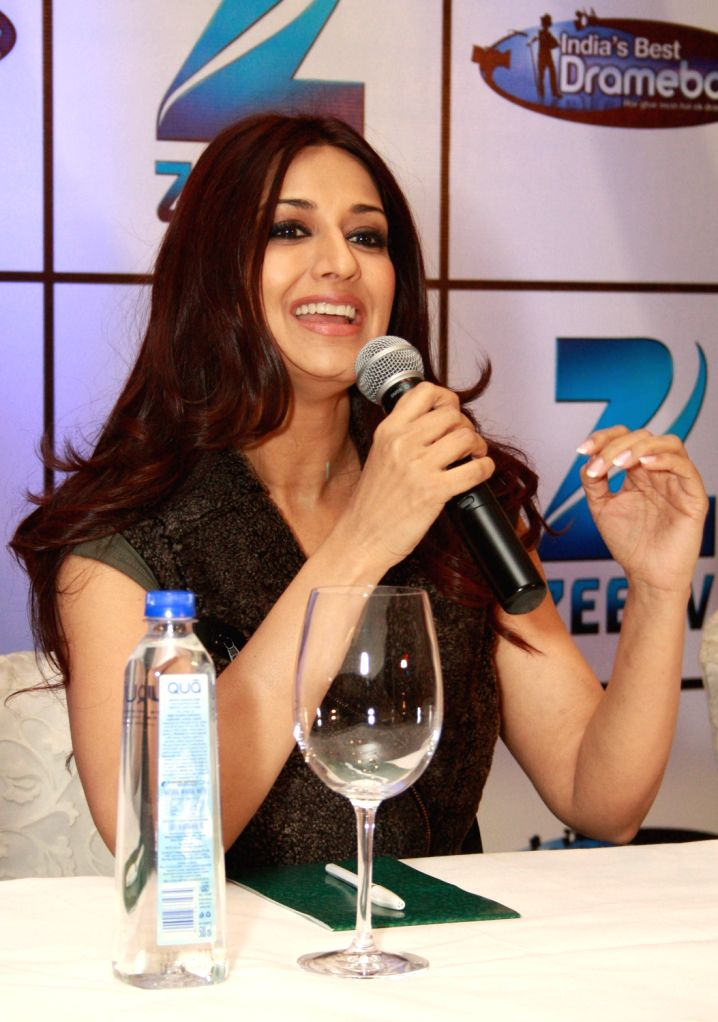 """Sonali Bendre  at the press conference for Zee TV Show """"India's Best Dramebaaz"""" in New Delhi. (Photo: IANS/Amlan)"""