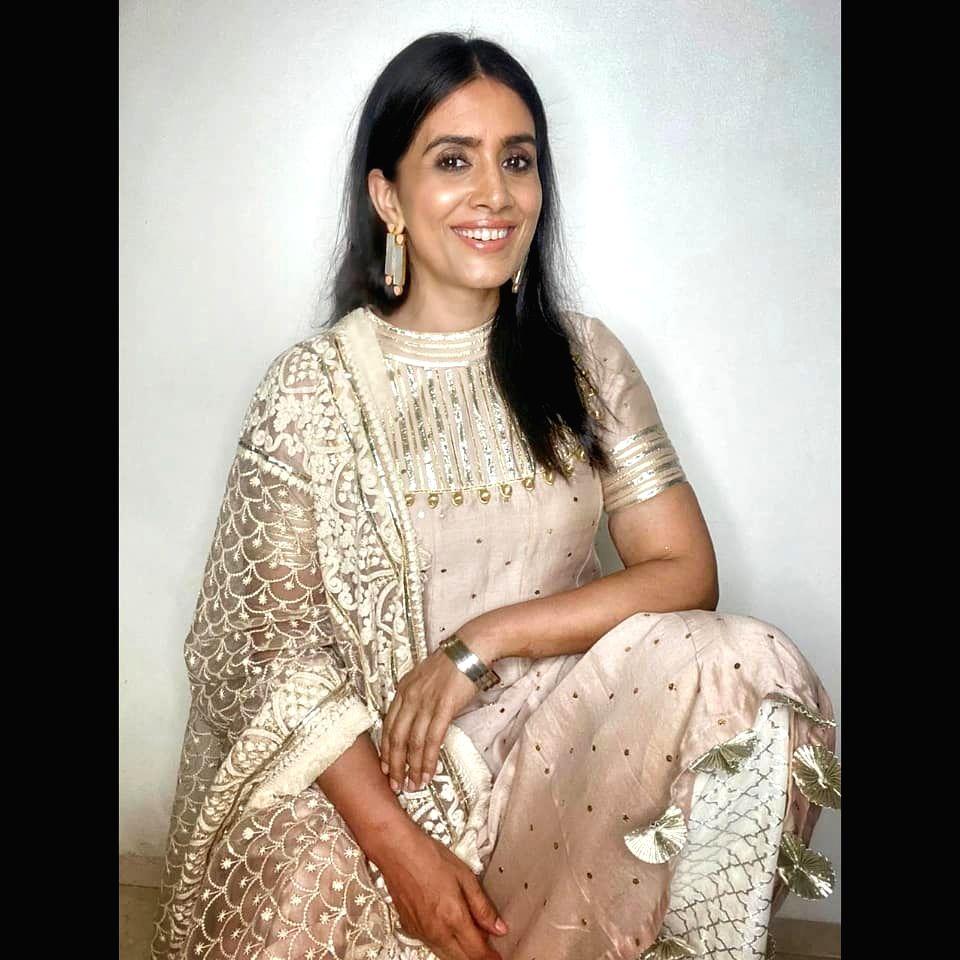 Sonali Kulkarni: Idea of being imperfect can be scary. - Sonali Kulkarni