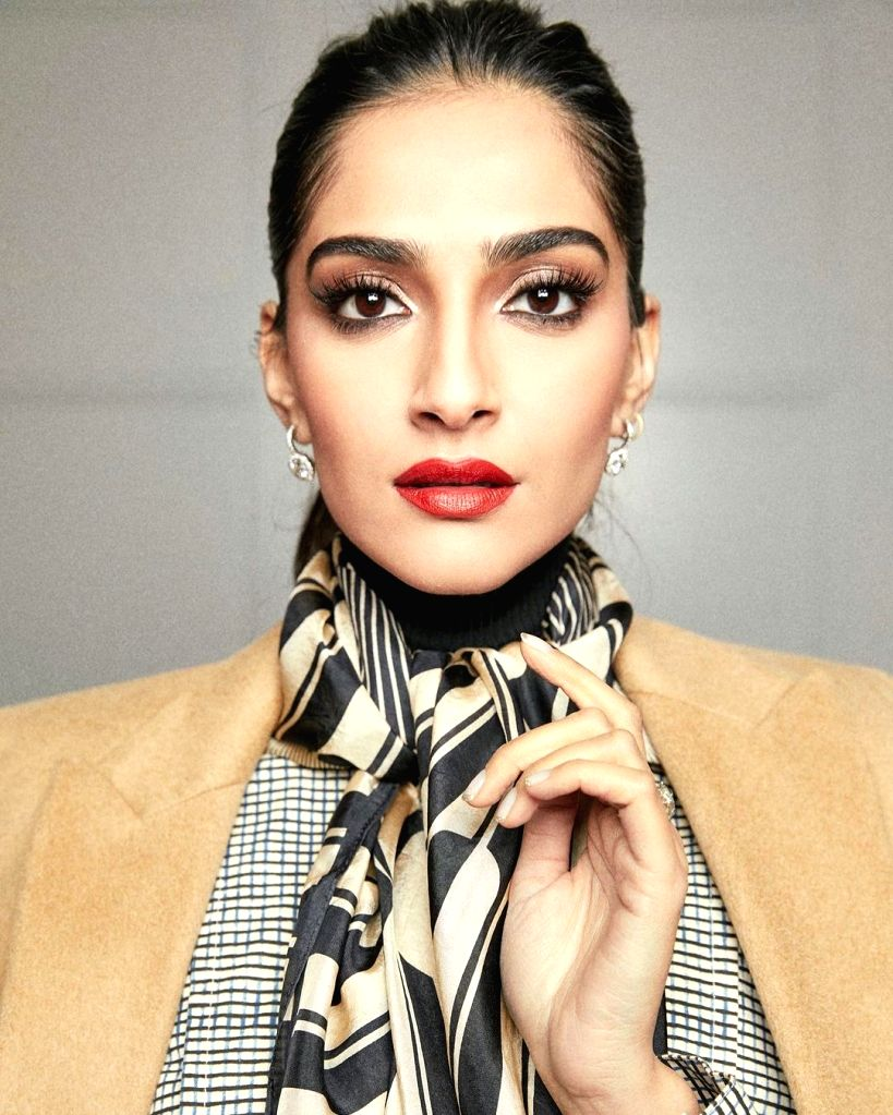 Sonam Kapoor's 'sorry' to Rihanna and the need to maintain safe distance - Sonam Kapoor