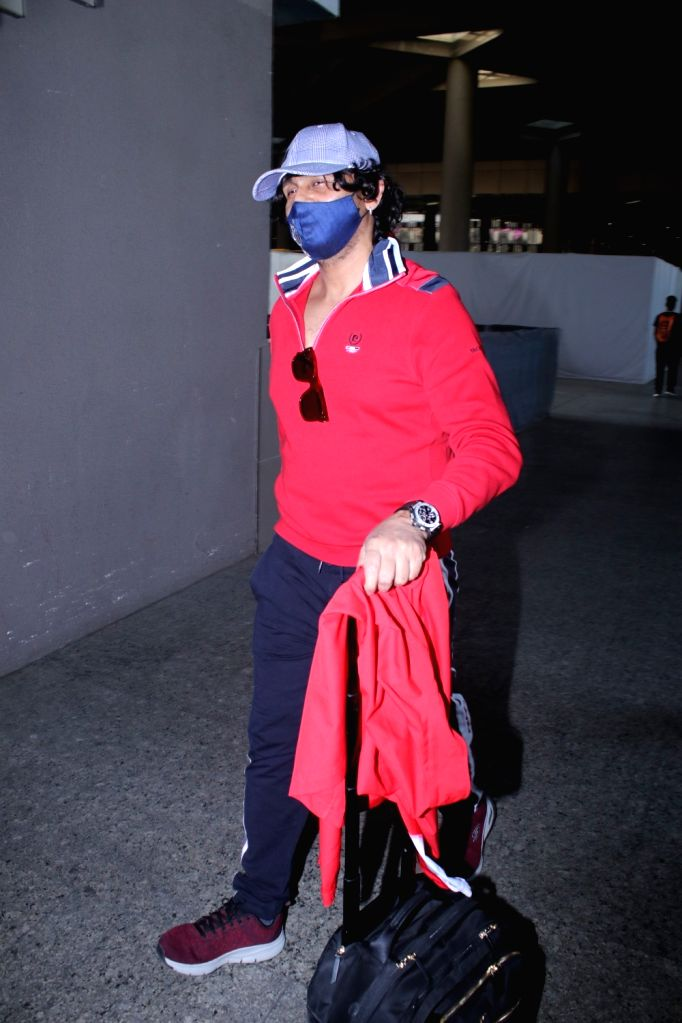 Sonu Nigam Spotted at Airport Arrival on Monday 08th March, 2021. - Sonu Nigam