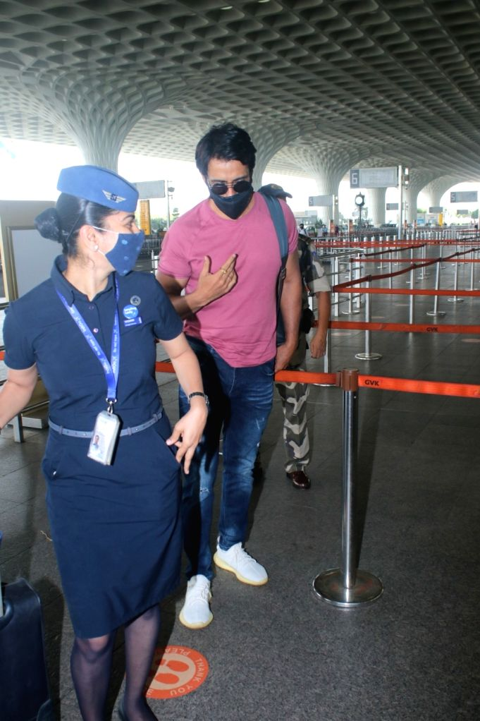 Sonu Sood Spotted at Airport Departure in Mumbai on Monday, 26 April, 2021.