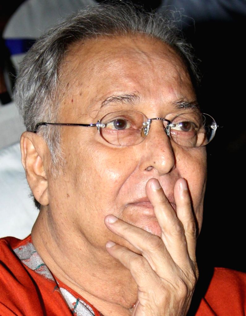 Soumitra Chattopadhyay's death leaves film frat in grief