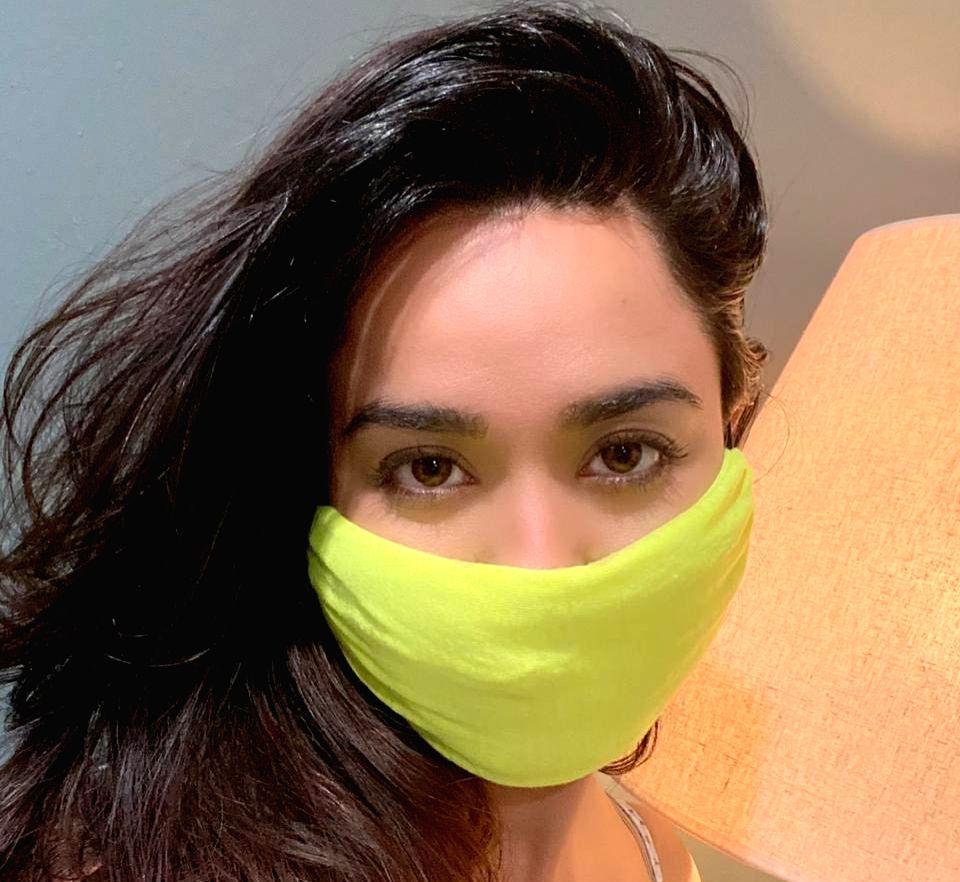 Soundarya Sharma turns T-shirt into mask. - Soundarya Sharma