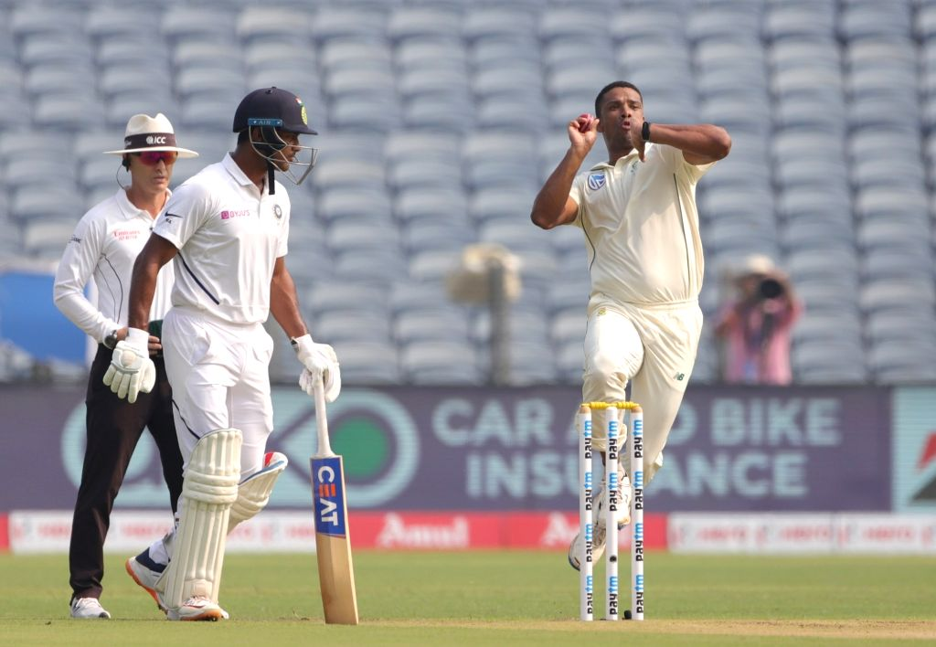 South African bowler Vernon Philander bowls during the second test match in Pune on Oct. 10, 2019. - Vernon Philander