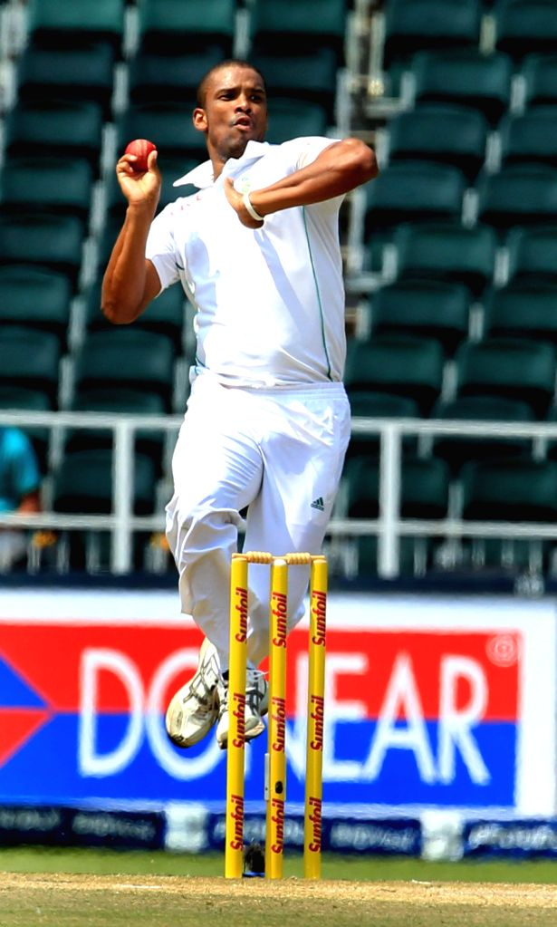 South African bowler Vernon Philander in action during the 3rd Day of the First Test match between India and South Africa played at New Wanderers Stadium in Johannesburg on Dec.20, 2013. - Vernon Philander