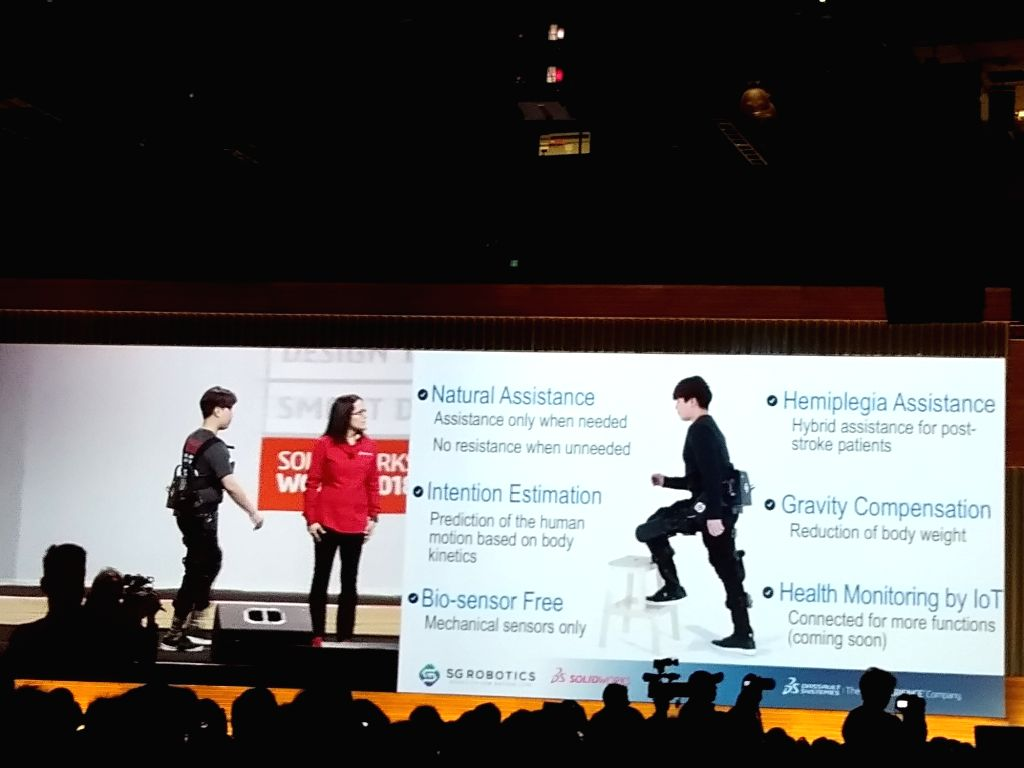 South Korea-based company SG Robotics has developed a robotic leg on SOLIDWORKS to help paraplegic people walk again.