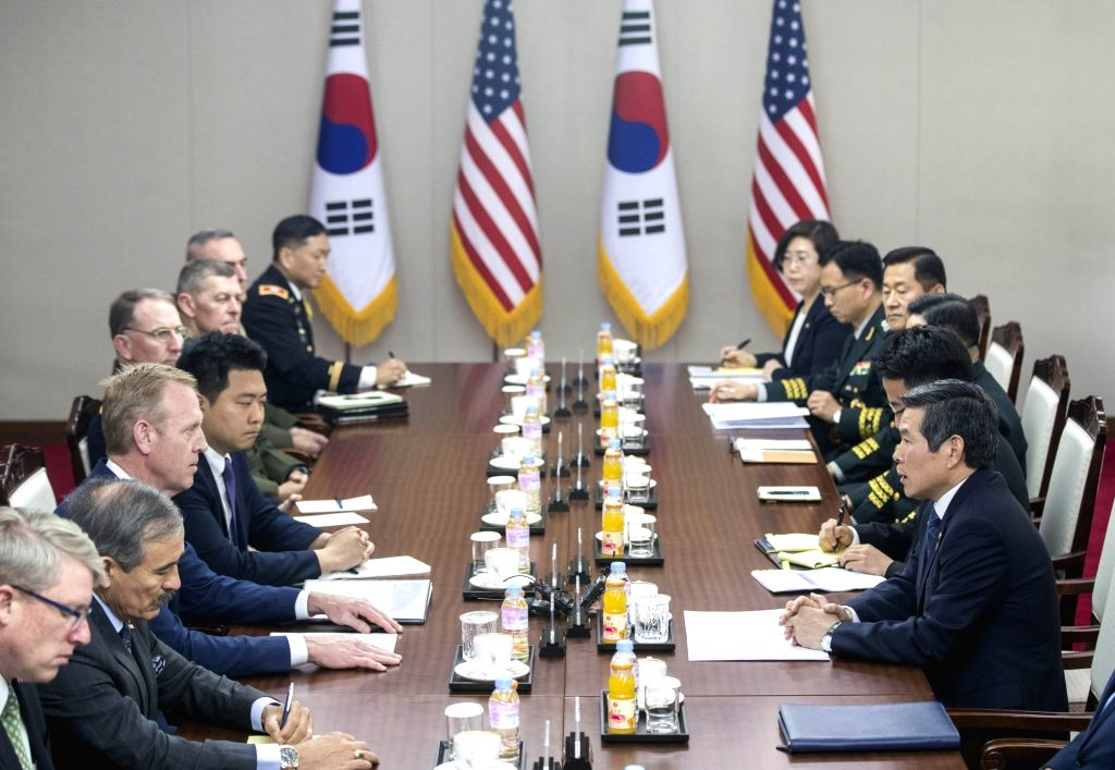 South Korean Defense Minister Jeong Kyeong-doo (R) holds talks with acting U.S. Secretary of Defense Patrick Shanahan (3rd from L) at the defense ministry in Seoul on June 3, 2019. - Jeong Kyeong