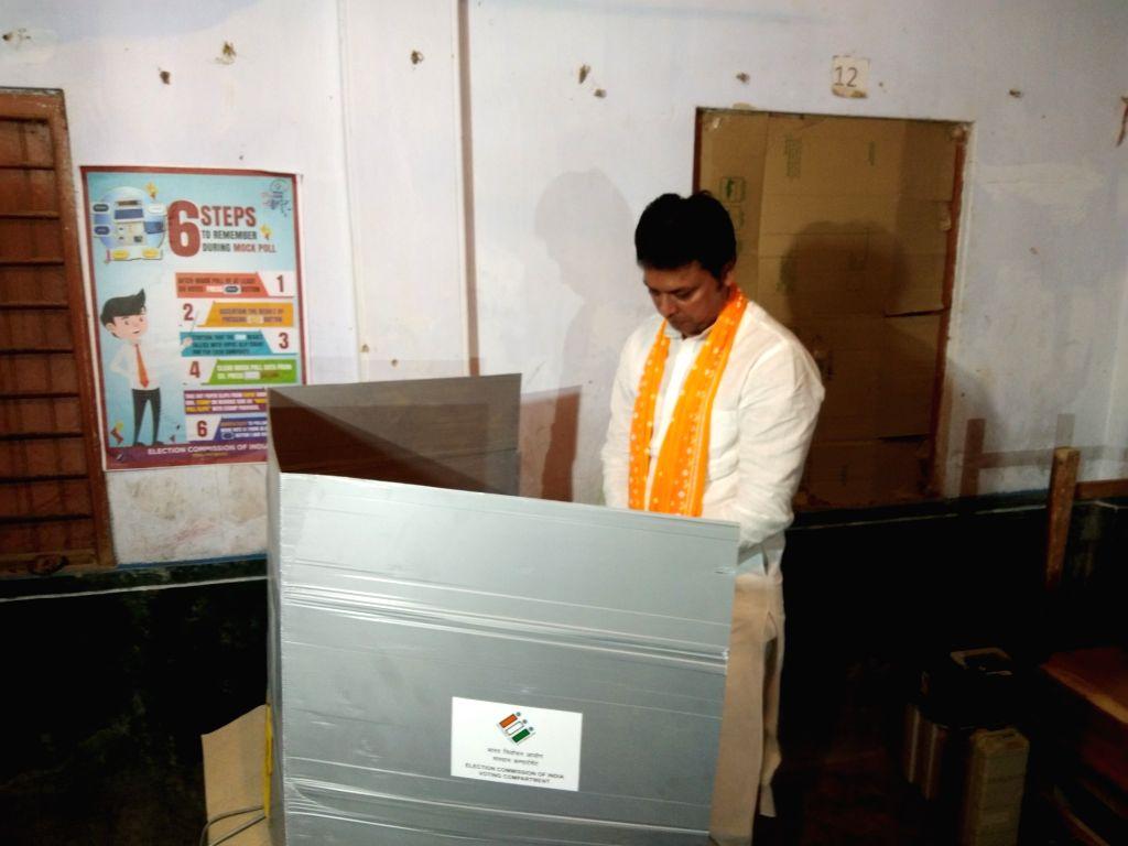 South Tripur: Tripura Chief Minister Biplab Kumar Deb cast his vote at Udaipur Englush Medium High School in South Tripura on April 11, 2019. - Biplab Kumar Deb