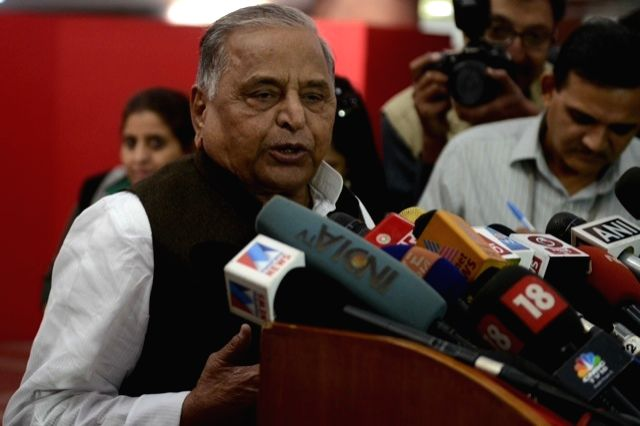 SP chief Mulayam Singh Yadav addresses a press conference in New Delhi, on Nov 25, 2015.