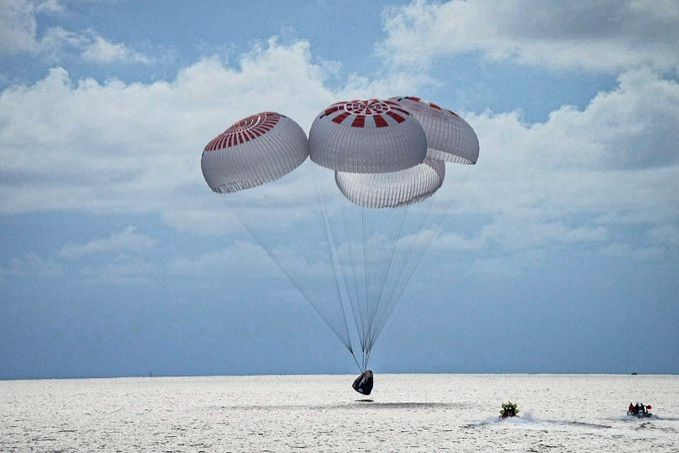 SpaceX,s all-civilian crew returns to Earth safely