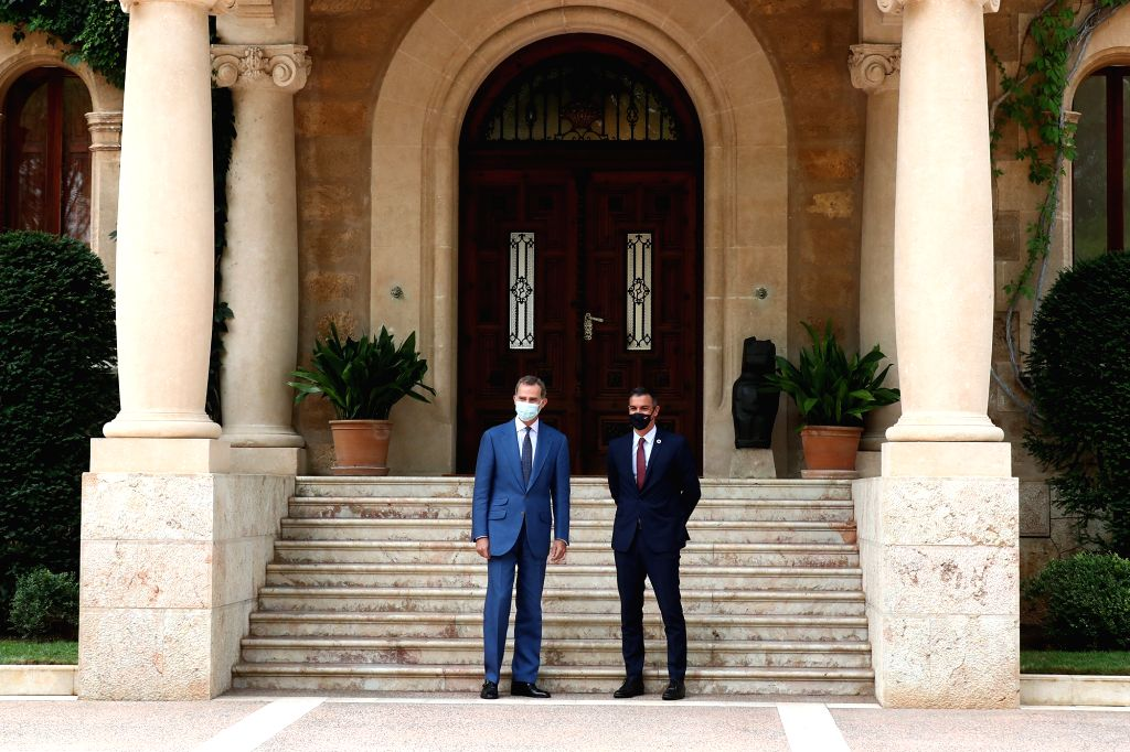 Spain's King Felipe VI (L) meets with Prime Minister Pedro Sanchez in the Palacio de Marivent in Mallorca, Spain, Aug. 12, 2020. Spanish Prime Minister Pedro ... - Pedro Sanchez