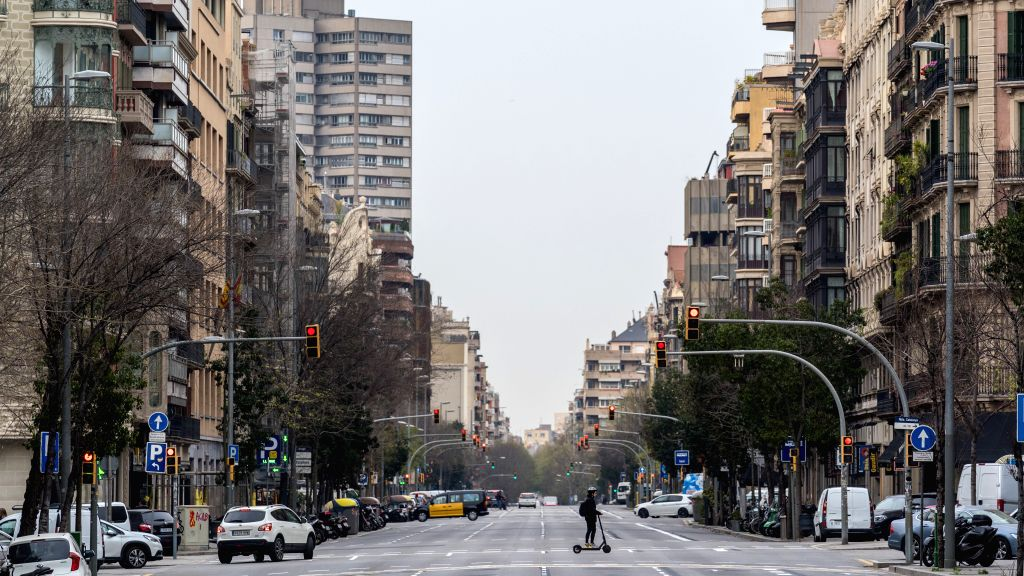 Spaniards asked to stay strong as COVID-19 fatality rate reaches 5%