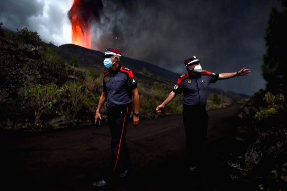 Spanish PM pledges aid for volcano affected island