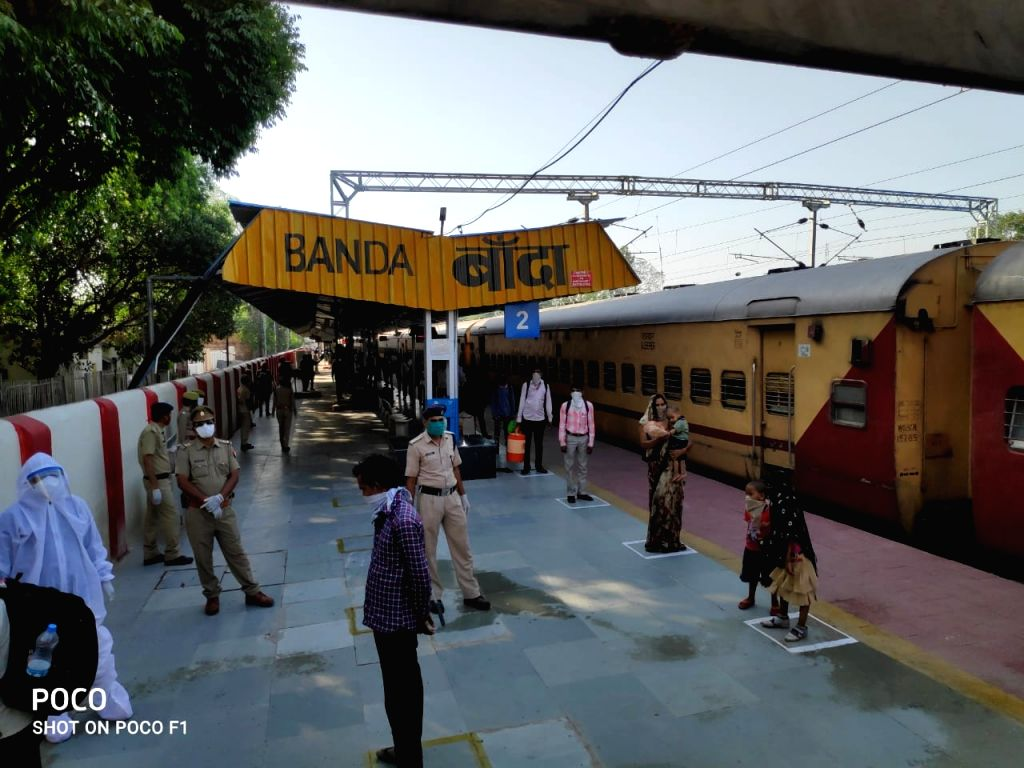 Special train carrying 1205 migrant laborers from Surat to Banda.