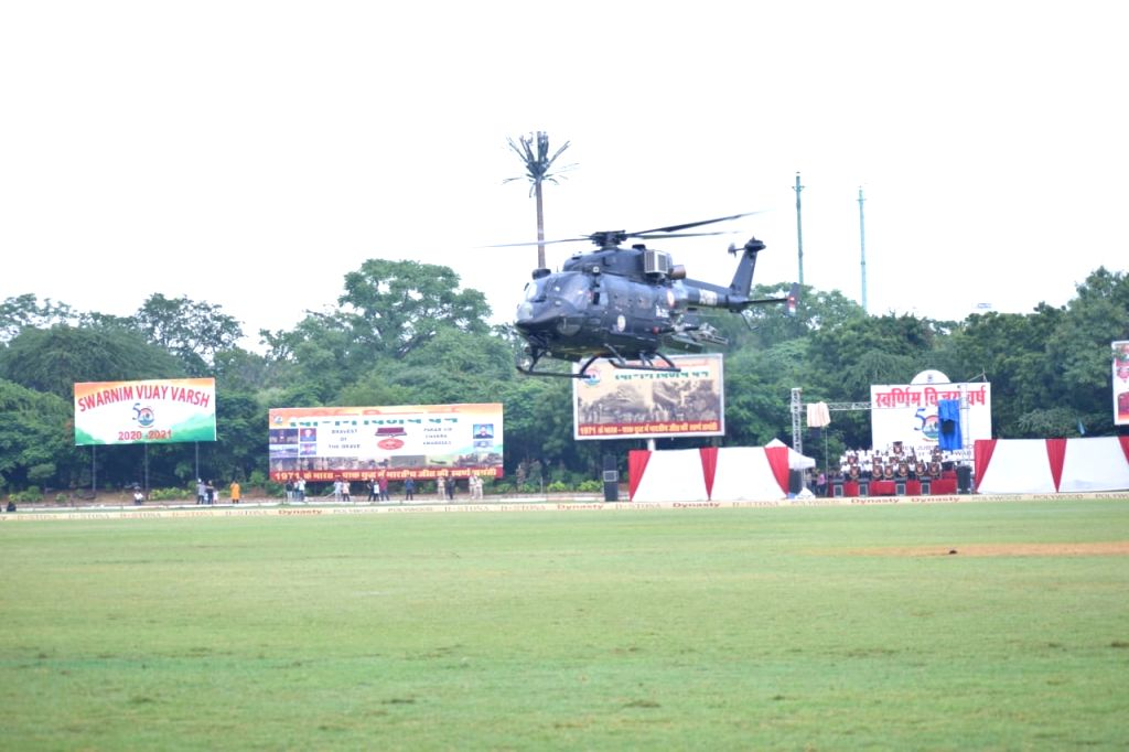 Spectacular aerial demonstration by Army Aviation Helicopters & elite commandos stuns audience