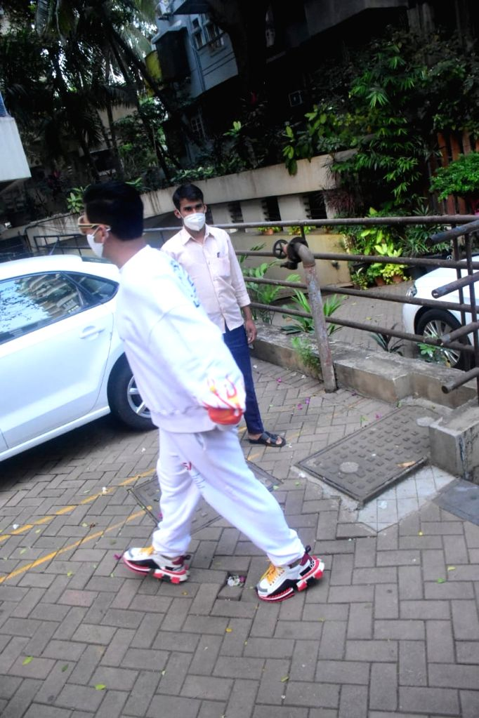 Spotted At Kareena Kapoor House in Bandra on Wednesday 03rd March, 2021. - Kareena Kapoor House