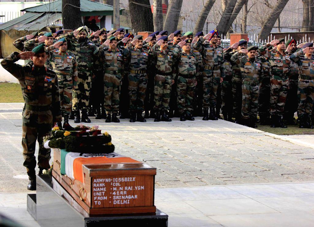 15 Corps Commander Subrata Saha paying last respect to Col. MN Rai at Badami Bagh headquarters in Srinagar on Jan. 28, 2015.