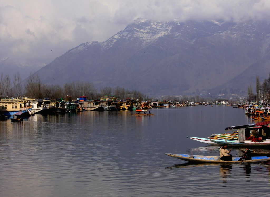 A view of Dal Lake after rainfalls in the Kashmir Valley, in Srinagar, on Feb 26, 2015.