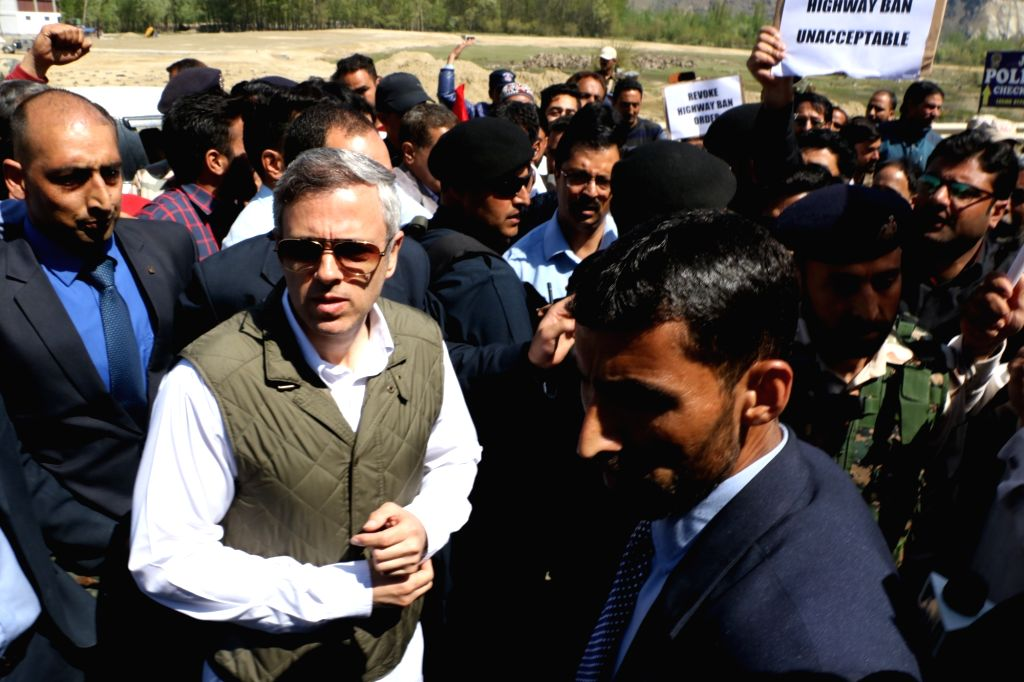 Srinagar: Former Jammu and Kashmir Chief Minister and National Conference leader Omar Abdullah during a protest against the ban on civilian traffic on the Jammu-Srinagar highway on Sundays and Wednesday, in Srinagar, on April 10, 2019. (Photo: IANS)