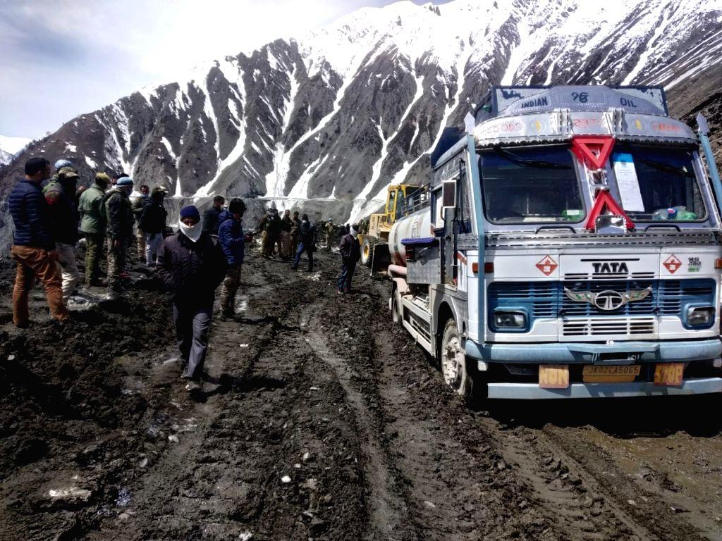 Srinagar-Leh highway re-opens for traffic.