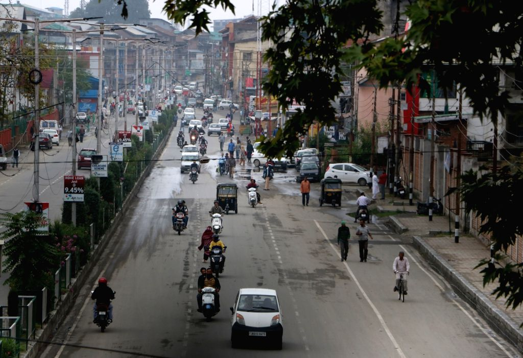 Srinagar: Normal life resumes in Srinagar after curfew was lifted from the entire Kashmir valley barring Pulwama town and in areas under the jurisdiction of Nowhatta and M.R. Gunj police stations in Srinagar city on Aug 29, 2016. (Photo: IANS)