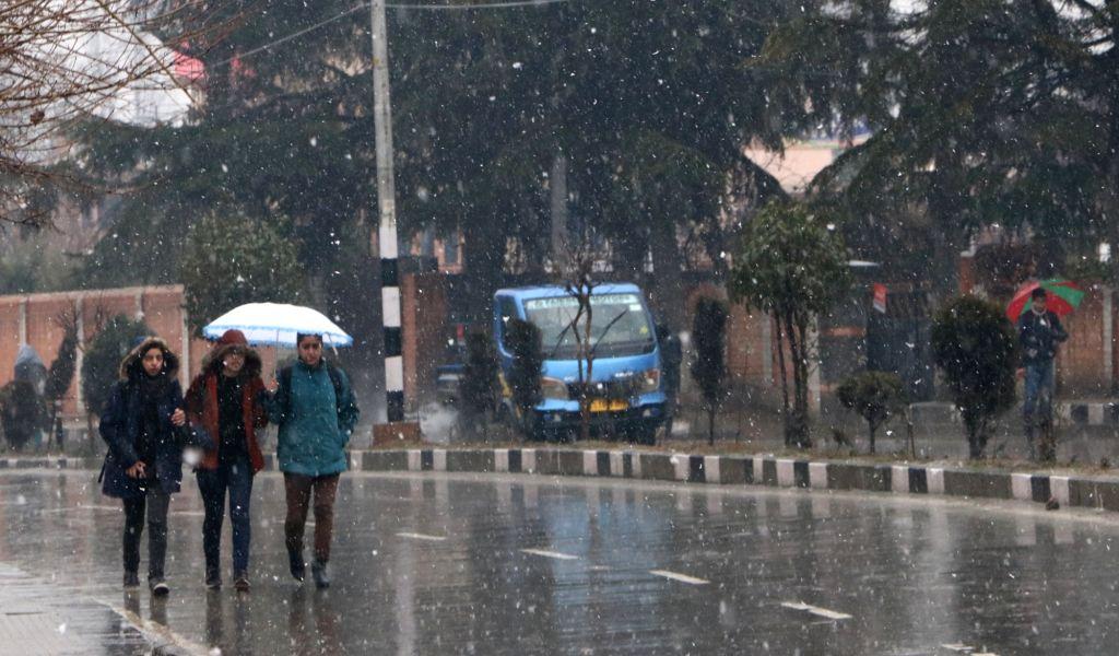 Srinagar witnesses snowfall on Feb 6, 2019.