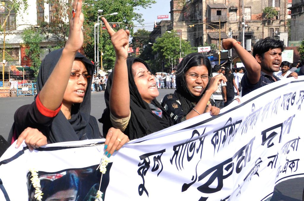 SSC students demonstrate against West Bengal government in Kolkata on April 25, 2014.