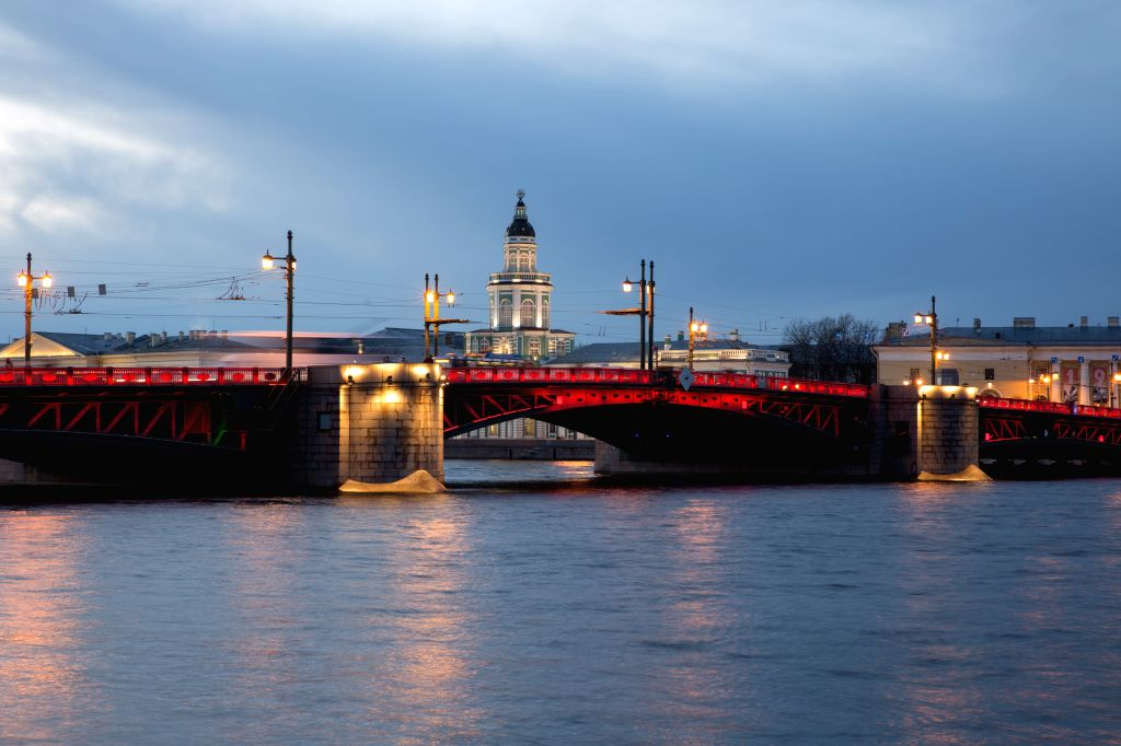 ST.The Palace Bridge is lit in red to mark the Chinese Lunar New Year in St. Petersburg, Russia, Jan. 24, 2020.