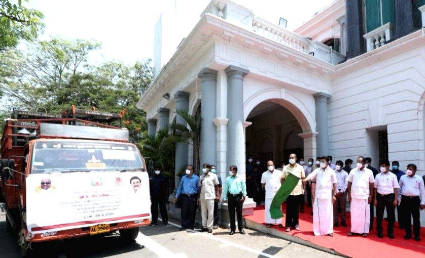 Stalin flags off vehicles with oxygen cylinders to 18 districts ( Credit : @mkStalin/twitter)