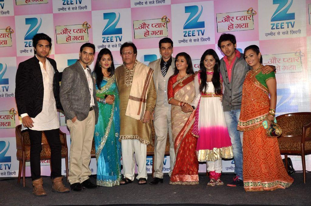 Star cast of Aur Pyaar Ho Gaya Rajeev Singh, Nikita Agarwal, Rajeev Verma, Reena Kapoor, Kanchi Singh, Mishkat Varma and Ashita Dhawan during the press conference of their new show, Aur Pyaar Ho Gaya - Gaya Rajeev Singh, Rajeev Verma, Reena Kapoor and Kanchi Singh