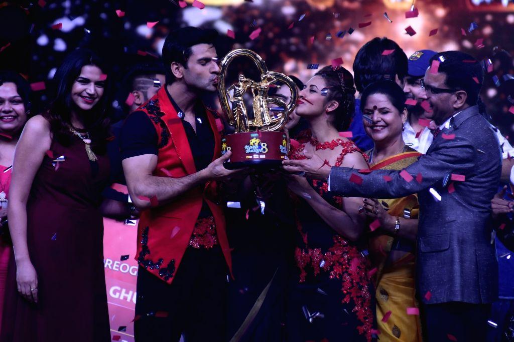 Star couple Divyanka Tripathi and Vivek Dahiya were announced the winners of Nach Baliye Season 8 in Mumbai, on June 25, 2017. - Divyanka Tripathi