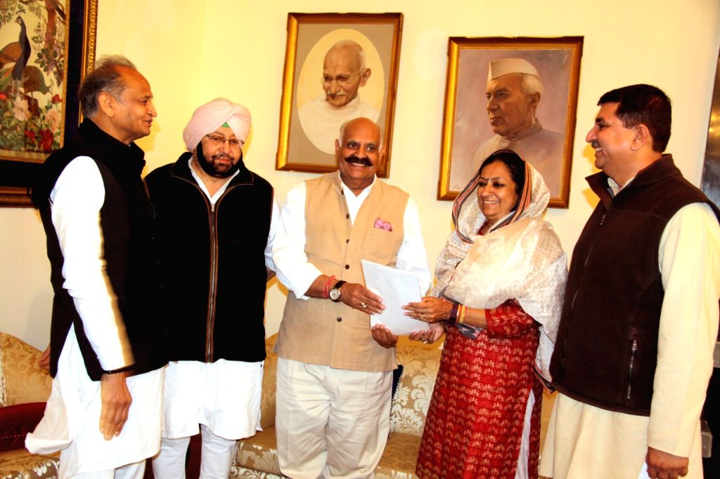 State Congress Chief Amarinder Singh meets Punjab Governor V.P Singh Badnore at Raj Bhawan in Chandigarh on March 12, 2017. - P Singh Badnore