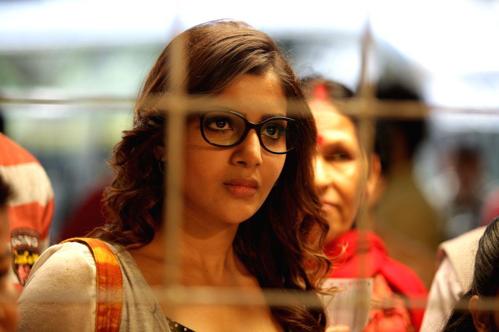 Stills from Tamil film `10 Enradhukulla`.