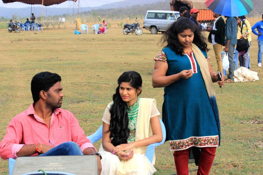 Stills of film Dil Unna Raju.