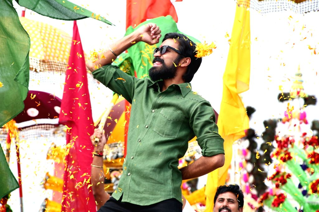 Stills of Telugu film Dharma Yogi.