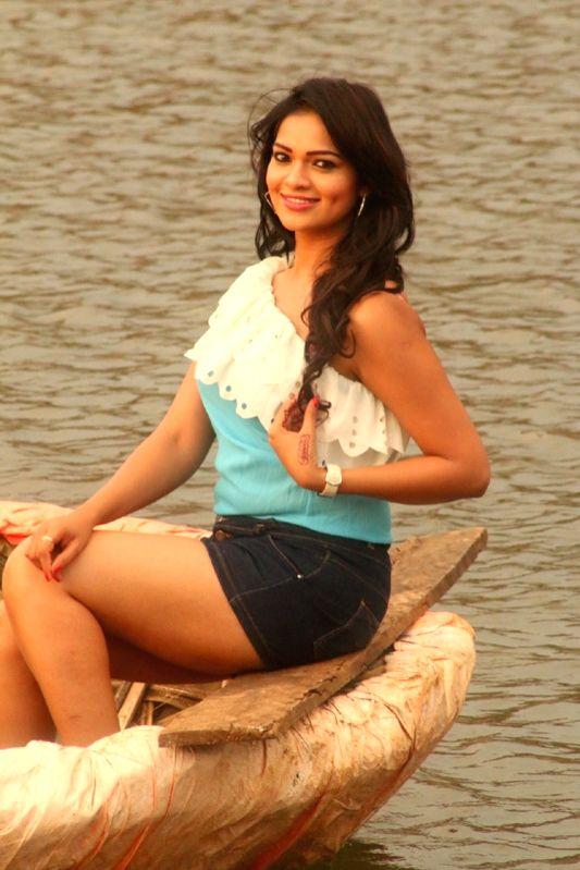 Stills of Telugu film Nuvu Nenu Osai Orai.