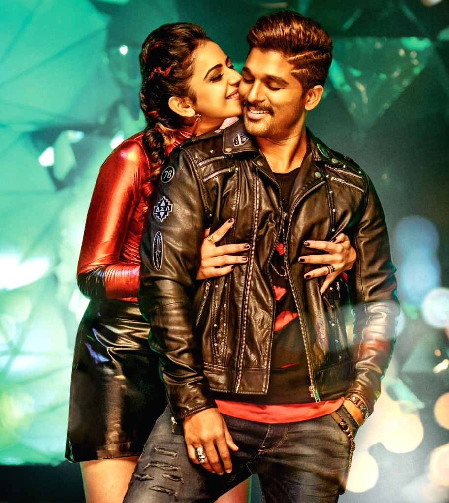 Stills of Telugu Film Sarrainodu.