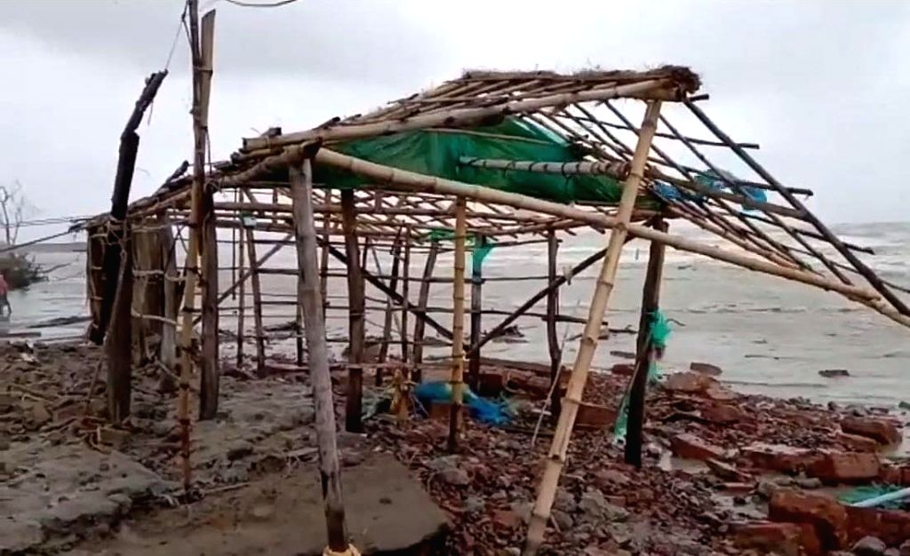 """Strom cyclone """"Yaas"""" effect at Bakkhali in South 24 Pargana on Wednesday, May 26, 2021."""