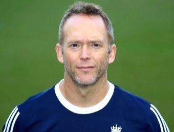 Stuart Barnes appointed Ireland's assistant head coach