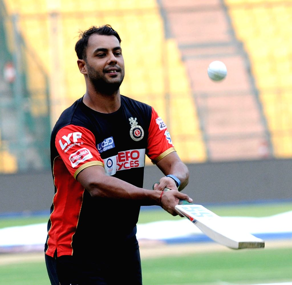 Stuart Binny of Royal Challengers Bangalore during a practice session at M Chinnaswamy Stadium in Bengaluru, on May 27, 2016.