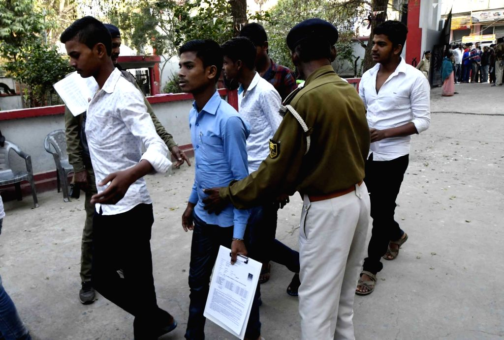 Students arrive at an exam centre to appear in Class 10 board examinations in Patna on Feb 21, 2019.