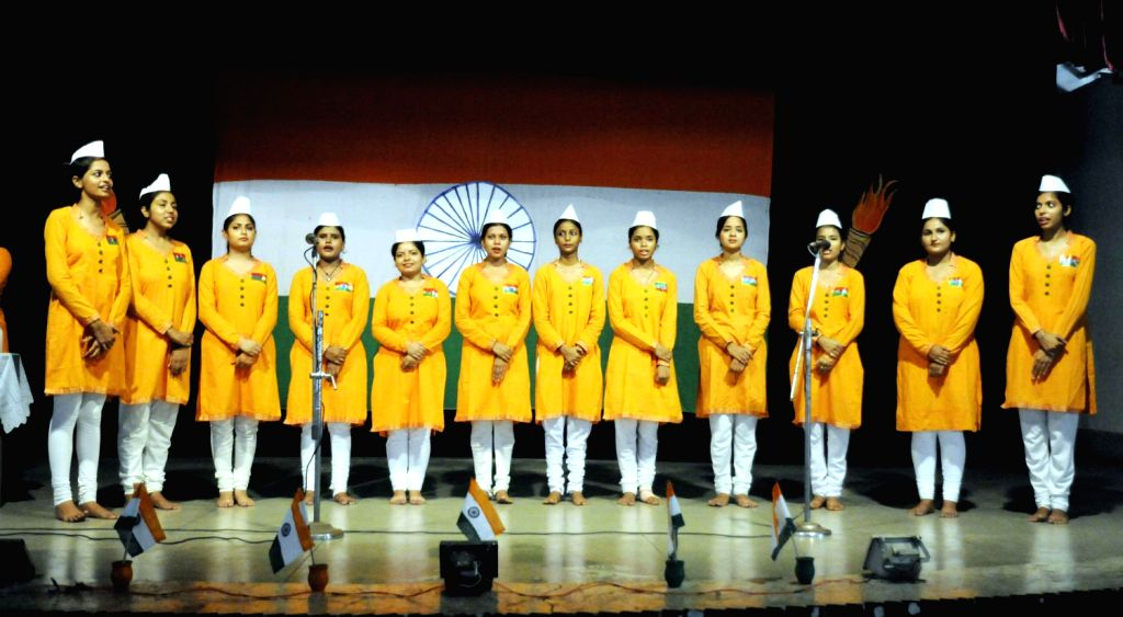 Students at a college during a cultural programm on the eve of Independence Day in Patna on August 14, 2013. (Photo::: IANS)