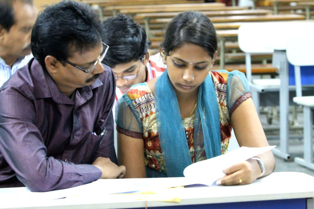Students during 2014 Engineering, Agriculture and Medical Common Entrance Test (EAMCET) counselling session at Mansab Tank in Hyderabad on Aug 7, 2014.